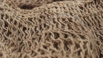 Noken yang terbuat dari serat kayu