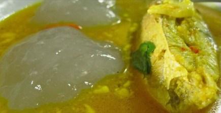 papeda dan ikan kuah kuning (foto: agronomi.com)