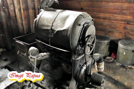 mesin roasting tua