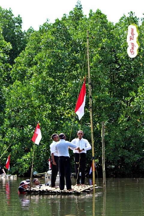 pengibaran bendera