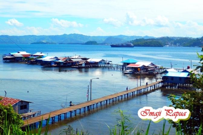 Jalan – jalan ke Kampung Kayu Batu yang Indah Nan Exotis