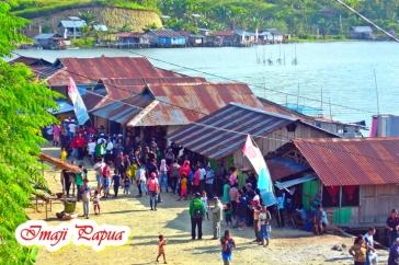 Keseruan Festival Makan Papeda di Kampung Abar, Distrik Ebungfauw Danau Sentani