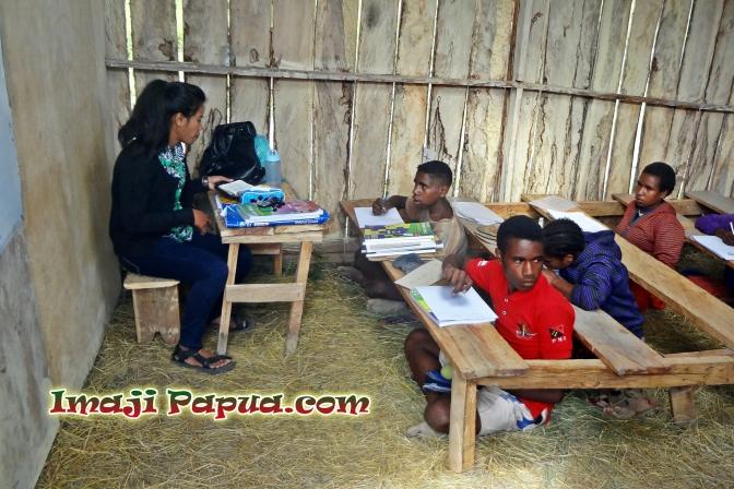 Bikin Trenyuh! Kisah Pendidikan di Pedalaman Yahukimo Papua