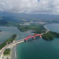 Jembatan Yotefa yang Fenomenal